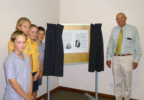 The 175th anniversary of Major Thomas Mitchell's third expedition was recognised with the unveiling of a plaque.