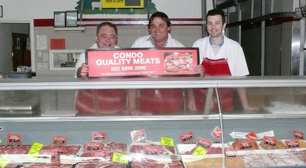 Jeff Beck, Des Barwick and Daryl Nairn of Condobolin Quality Meats. OM