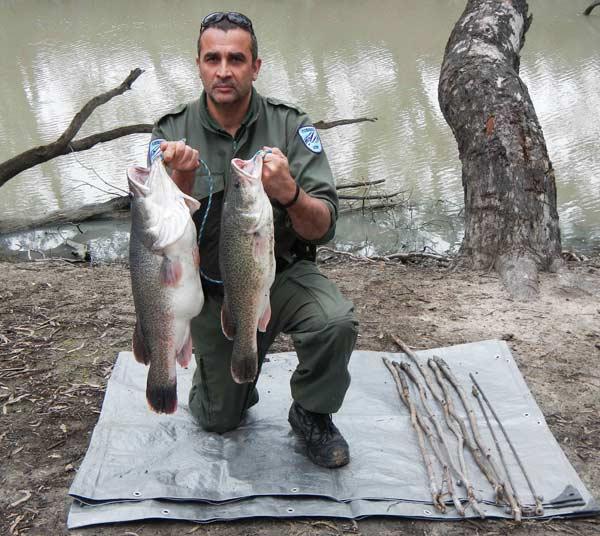 Two men have had their fishing equipment and fish seized and have been fined $2,000 for fishing using illegal set lines in the Lachlan River, near Condobolin.