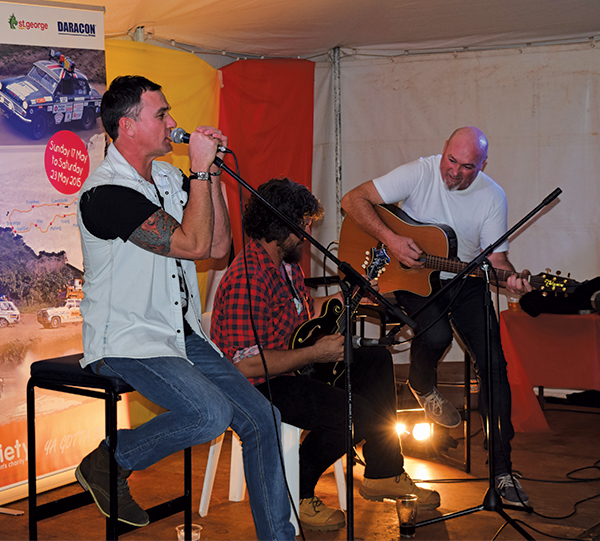 Shannon Noll made a surprise appearance in Condobolin last week, delighting the unsuspecting AHA Variety Bashers with a concert at the Royal Hotel.